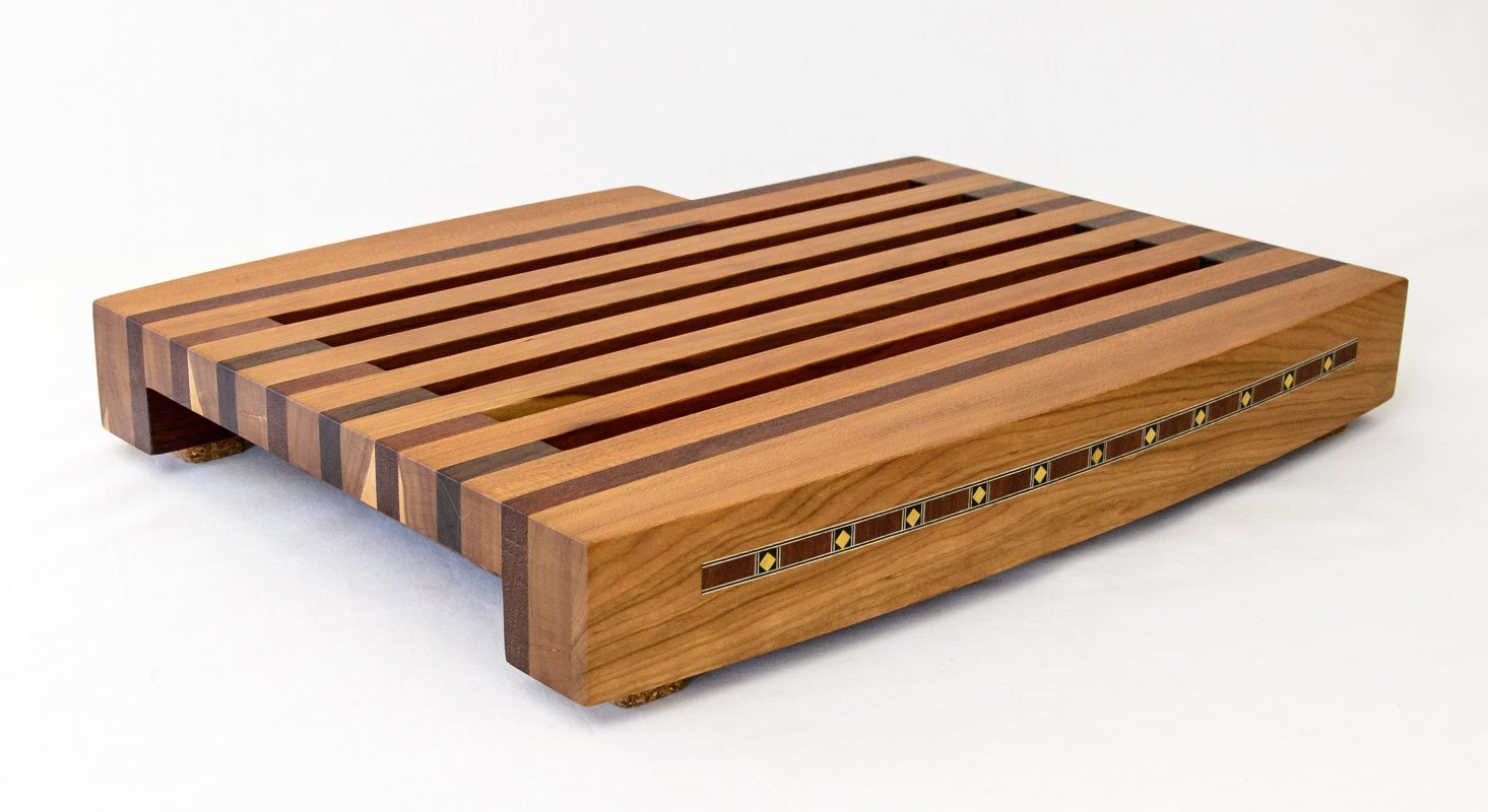 Breadboard with Knife and Tray – Front Isometric View
