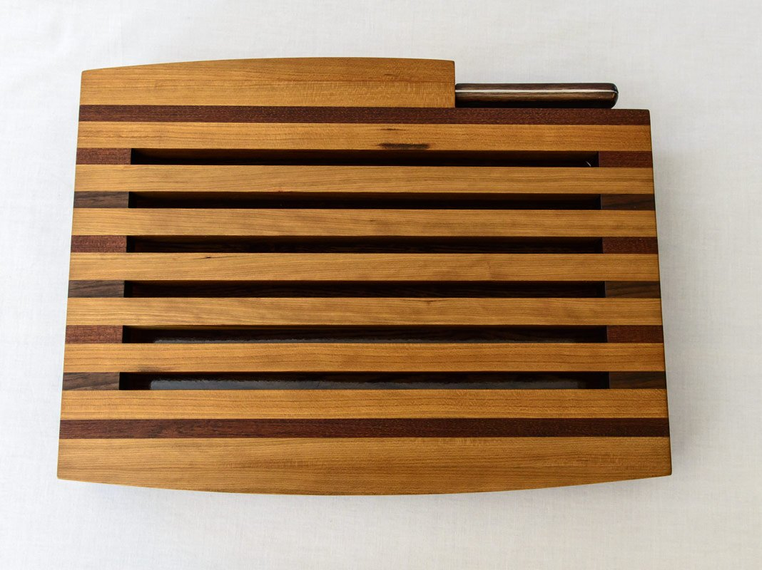 Breadboard with Knife and Tray – Top View